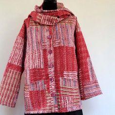 Veste medium réversible en coton gaudri imprimé patchwork rouge et blanc : Manteau, Blouson, veste par akkacreation