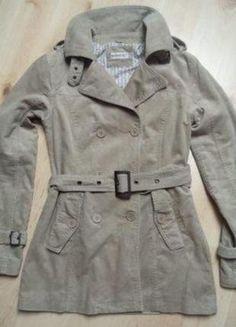 Kupuj mé předměty na #vinted http://www.vinted.cz/damske-obleceni/kratke-kabaty/11659164-kratky-bezovy-basic-kabat-bunda-trenckot-jaropodzim-clockhouse