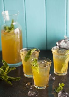 Chamomile iced tea with apple and passion fruit on DrizzleandDip.com #recipes #drinks