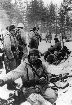 Deutsche Soldaten bei Leningrad, Januar 1944  Germans troops near Leningrad in January 1944