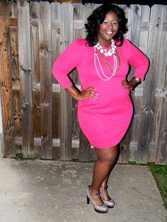 Skorch plus size fashion blogger! Curves in pink!