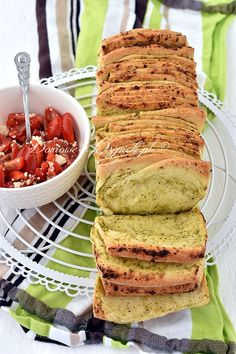 Snacks Für Die Party, Avocado Toast, Breakfast Recipes, Pancakes, Grilling, Food And Drink, Cooking, Pesto Recipe, Brunch Recipes