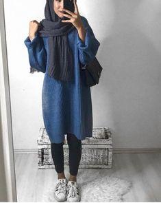 Unique and Creative Arabic Style: Oversized Sweater Hijab Style-Hijabi Street Styl … Modern Hijab Fashion, Street Hijab Fashion, Hijab Fashion Inspiration, Islamic Fashion, Muslim Fashion, Modest Wear, Modest Dresses, Hijab Outfit, Hijab Dress