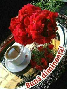 Imagini buni dimineata si o zi frumoasa pentru tine! - BunaDimineataImagini.ro I Love Coffee, My Coffee, Coffee Beans, Chocolate Cafe, Chocolate Lovers, Good Morning Coffee, Good Morning Good Night, Pause Café, Spiced Coffee