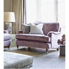 Ledbury combines wonderful styling with casual comfort for a great homely combination. Soft Extra-life seat cushions, fibre backs and hardwood feet in a choice of colours - light or medium. Includes two accent scatter cushions. Please see swatches in our showrooms or call us for samples.
