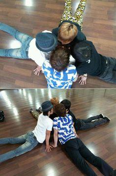Super Junior stretching lol.
