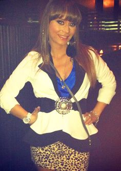 Austin wears a white blazer with royal blue blouse and studded waist belt. #StyleNetwork #Chicagolicious