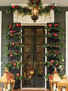 Pomegranate Christmas Door : scoopcharlotte