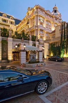One day I want to become Manager of a Luxury Hotel. Also visit one or the must luxurious hotels. To invite my parents to one of this hotels. Dream Home Design, My Dream Home, Dream Mansion, Luxury Homes Dream Houses, Luxury Lifestyle, Luxury Blog, Rich Lifestyle, Lady Luxury, Luxury Estate