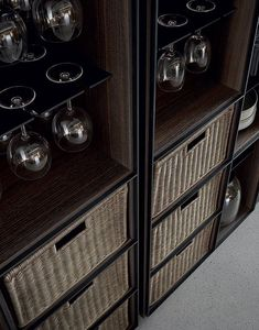 Poliform contemporary furniture: the Italian brand of fine and designer furniture with high quality finishings. Kitchen Interior, Kitchen Design, Guiyang, Bar Lounge, Joinery, Art And Architecture, Contemporary Furniture, Wine Rack, Furniture Design