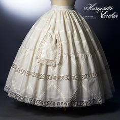 Margarita Vercher enagua Trini Historical Costume, Historical Clothing, Victorian Hats, Lolita Cosplay, Folk Costume, Lingerie, Pretty Dresses, Vintage Dresses, Ball Gowns