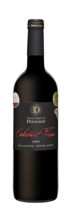 Doolhof Signature Cabernet Franc 2009: Youthful, dark red with perfumed blackcurrants, violets, lead pencil shavings and graphite on the nose. An elegant, slight mineral character is also present.                                                                                                                                                                                    The wine shows great elegance and softness with fine velvety tannins.