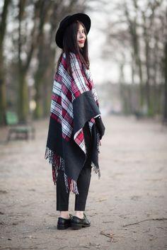 lillymarlenne.blogspot.com  My new checkered poncho <3  #poncho #boho #womensfashion