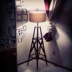 Luminária decorativa em madeira