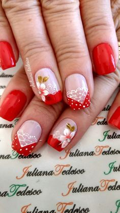 Unhas decoradas com vintage floral unhas decoradas diferentes, unhas decoradas curtas, unhas decoradas natal Red Nail Art, Red Nails, Hair And Nails, Love Nails, Pretty Nails, French Nails, Manicure And Pedicure, Nail Arts, Spring Nails