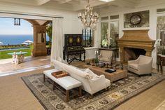 La Villa Contenta | Chris Cortazzo