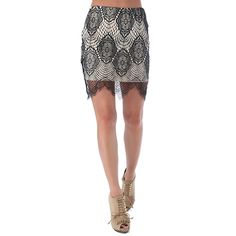 Lace body-conscious mini skirt with scalloped hem