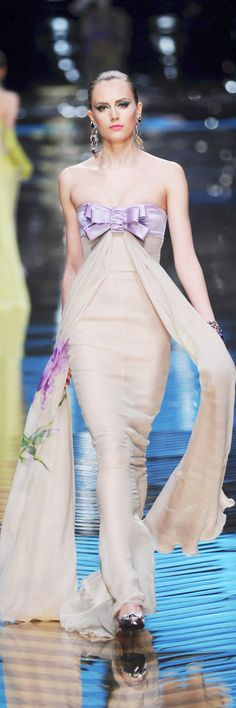 Valentino Spring 2008 Couture -'miss simplicity' nude and lavender evening gown