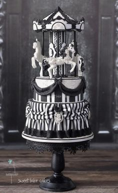 Gothic wedding cake by sweetlake cakes Check us out on Fb- Unique Intuitions Gorgeous Cakes, Pretty Cakes, Cute Cakes, Amazing Cakes, Gothic Wedding Cake, Gothic Cake, Wedding Cakes, Gold Wedding, Crazy Cakes