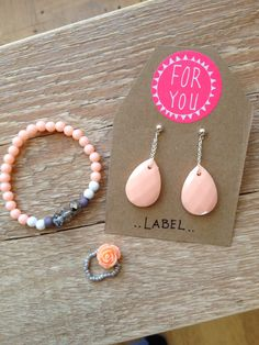 Labelbysimoon oorbellen peach armband en ring