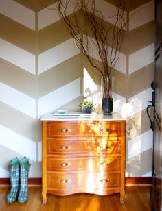Painted Herringbone Wall Design...but, maybe, just maybe it would be excellent as the floor design in the basement? Hmm...