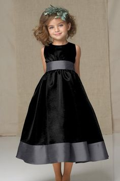 Black & Gray for the Junior Bridesmaid too!