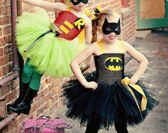 Rosa y batman superhéroe traje femenino por SofiasCoutureDesigns