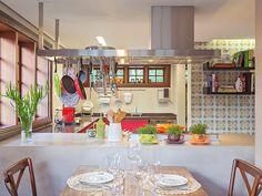 Residência Véu da Noiva | Isabela Bethônico Arquitetura. Cozinha / Interior inspiration / Detalhes / Plantas