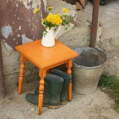 Small coffee table in Barcelona Orange - Annie Sloan Chalk Paint