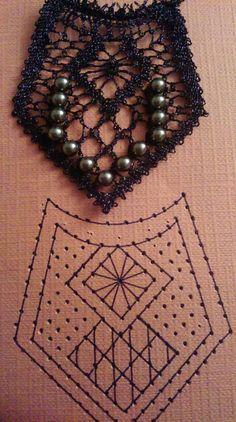 Colgante Hairpin Lace Crochet, Crochet Motif, Crochet Edgings, Crochet Shawl, Bobbin Lace Patterns, Bead Loom Patterns, Lace Earrings, Lace Jewelry, Bobbin Lacemaking