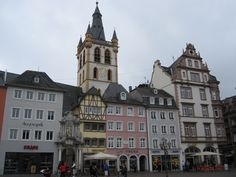 Hauptmarkt/ St Gangolph Church