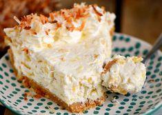 Recette : Tarte à la crème Pina Colada Pina Colada, Cheesecakes, Just Desserts, Vanilla Cake, Fondant, Caramel, Sweets, Chocolate, Fruit