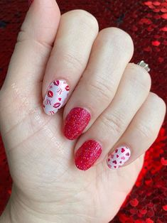 Lovely Valentine's Day Nail Ideas * 2020 - Elegant Life French Nail Designs, Best Nail Art Designs, Beautiful Nail Designs, Toe Nail Art, Nail Art Diy, Long Gel Nails, Heart Nails, Top Nail, Stylish Nails