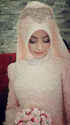 Get the Ideas of 2019 Latest Designs of Muslim Bridal Wedding Dresses in sleeves and hijab. These photos of Islamic wedding dresses for brides are fabulous. Muslim Wedding Dresses, Muslim Dress, Bridal Wedding Dresses, Wedding Hijab Styles, Muslim Hijab, Wedding Veil, Beau Hijab, Hijab Mode, Muslimah Wedding