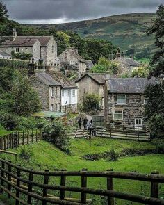 Idyllic English Country Villages Castleton, Devon, England in to England Countryside, British Countryside, Countryside Village, Countryside Homes, Devon England, Yorkshire England, Oxford England, Cornwall England, Yorkshire Dales