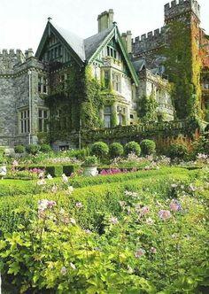 Dunsmuir Castle's Italian Garden, Victoria, British Columbia, Canada: My fav by far