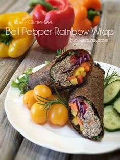 To beef up the nutrient level, I opted to use a rainbow of colors when selecting the bell peppers. Raw and gluten-free! Raw Vegan Recipes, Vegan Vegetarian, Diet Recipes, Cooking Recipes, Healthy Recipes, Raw Wraps, Vegan Wraps, Empanadas, Burritos