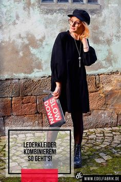 Schwarze Lederkleider sind voll im Trend – So stylst Du Sie am besten! -------------------------------------------------------------------------------------------#lederkleider #outfit #outfits  #leatherdress #fakeleather #kunstleder #styling #damenmode #mode   #fashion   #fashiontip #modeblogger #modeblog #schwarz #leder #leather #streetstyle   #littleblackdress #lbd #ü40blog #modeblogger_de #mystyle #kleider   #boots #mützen #clutch #black #blackdress #fashionblogger Mode Blog, Trends, Clutch, Lbd, Outfits, Black Leather Dresses, Tan Pantyhose, Black Leather, Styling Tips