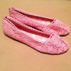 H&M Lace Flats Crochet laced. So comfy! Pink. Never worn! H&M Shoes Flats & Loafers
