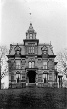 Mansion of Daniel P. Eells, once part of Millionaires' Row on Euclid Avenue in Cleveland, Ohio. Victorian Architecture, Beautiful Architecture, Beautiful Buildings, Old Mansions, Abandoned Mansions, Old Buildings, Abandoned Buildings, Cleveland Ohio, Cleveland Rocks