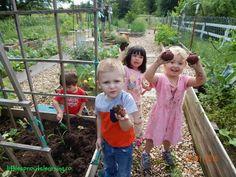 7 Reasons to let kids #growfood!