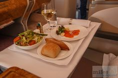 - Check more at https://www.miles-around.de/airline-reviews/emirates/emirates-airbus-a380/,  #A380 #Airbus #Bar #BarLounge #BusinessClass #Dusche #EconomyClass #Emirates #FirstClass #Spa #Suite