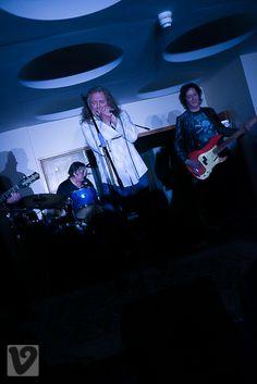 Led Zeppelin superstar #RobertPlant makes surprise appearance at Deborah Bonham's Hereford gig - Herefordshire Live, April 30, 2016.