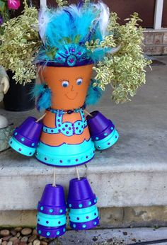 Custom made pot people by MurphyJune on Etsy, Loving MurphyJune on ETSY. She makes the cutest things! Clay Pot Projects, Clay Pot Crafts, Diy Clay, Diy Projects To Try, Diy Crafts, Flower Pot People, Clay Pot People, Flower Pot Art, Flower Pot Crafts