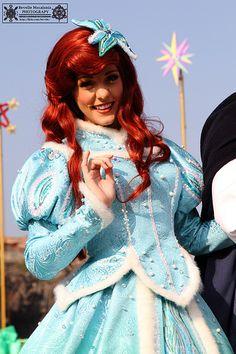 Christmas Ariel! Ariel Disney World, Walt Disney Parks, Disney Princess Ariel, Disney Nerd, Disney Little Mermaids, Ariel The Little Mermaid, Ariel Cosplay, Disney Cosplay, Disney Costumes