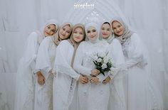 Simple Bridesmaid Dresses, Hijab Wedding Dresses, Wedding Bridesmaids, Hijab Style Dress, Dream Wedding, Wedding Day, Akad Nikah, Malay Wedding, Fashion 2020