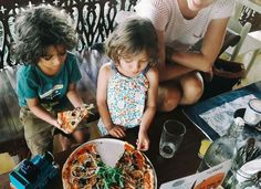 While parents get a chance to go out on their own kiddos enjoying their pizza @thejoglo  pizza by :@luca_s_pizza