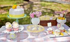 Hostess with the Mostess® - Lemonade Stand Party for elle's next birthday