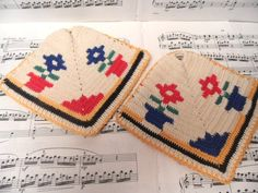 Pair of flower potholders / two vintage crocheted cotton pot holders / flower pots, double thick