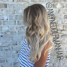 long wavy hair with blonde balayage